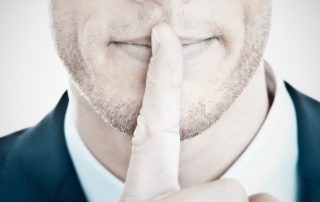 Do not reveal too much © Fotolia / Rynio Productions
